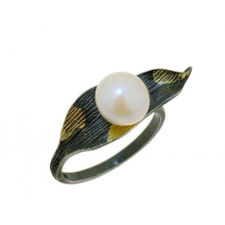 Кольцо женское серебряное 925* чернение позолота культивированный жемчуг 15 12 1401